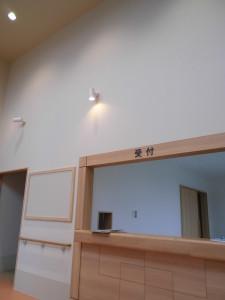 家具類が入っていないので、まだガランとしていますが、開院後は絵を飾るそうです。